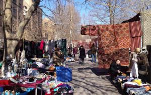 Street sale market